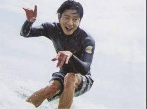 キムタクがサーフィン