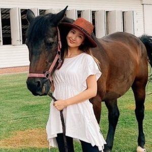 紗栄子と馬