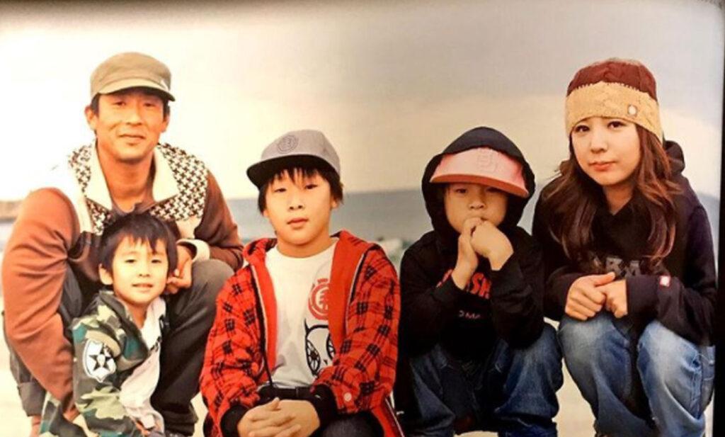 平野歩夢の家族