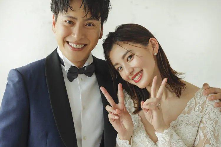 山下健二郎と朝比奈彩